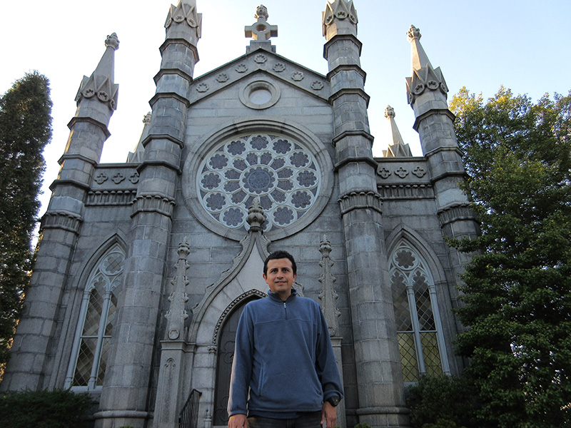 Hector in front of Bigelow Chapel in Cambridge's Mt. Auburn Cemetery