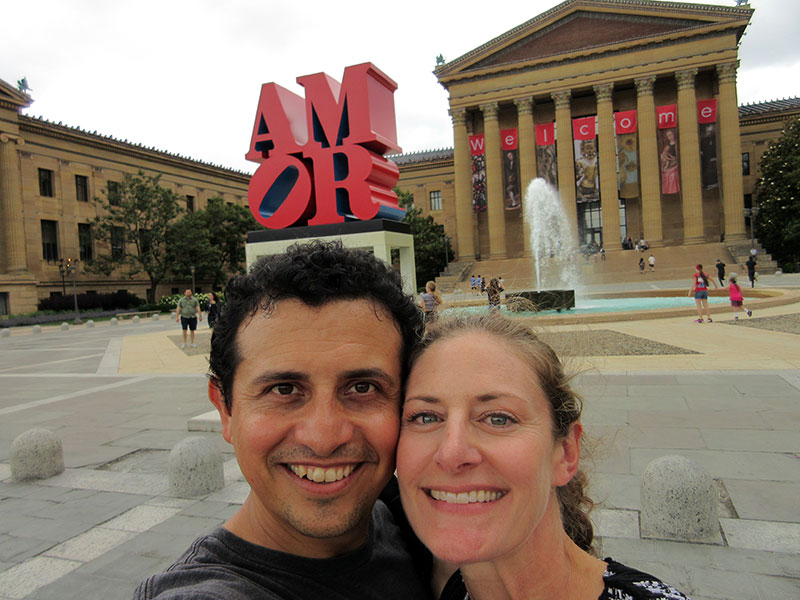 Hector & Christi at the AMOR sculpture at Philadelphia Museum of Art