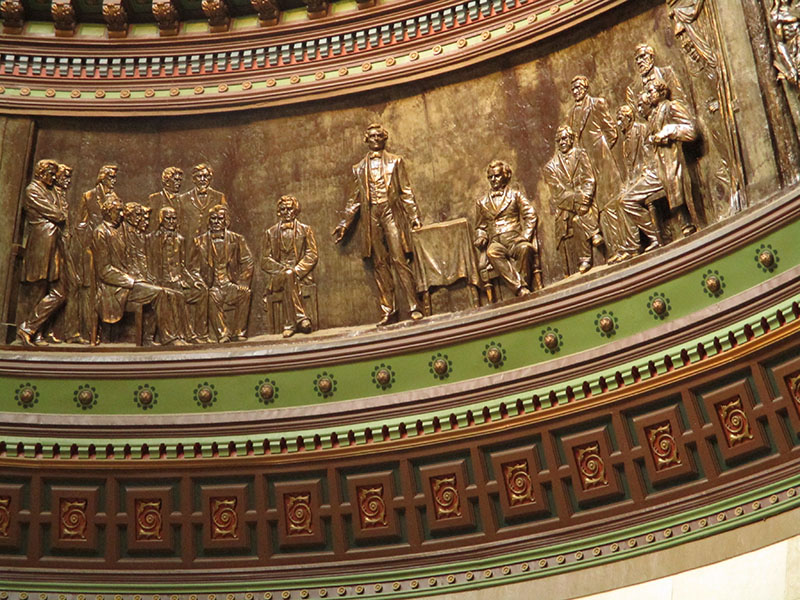 Lincoln-Douglas Debate relief in Illinois state capitol building