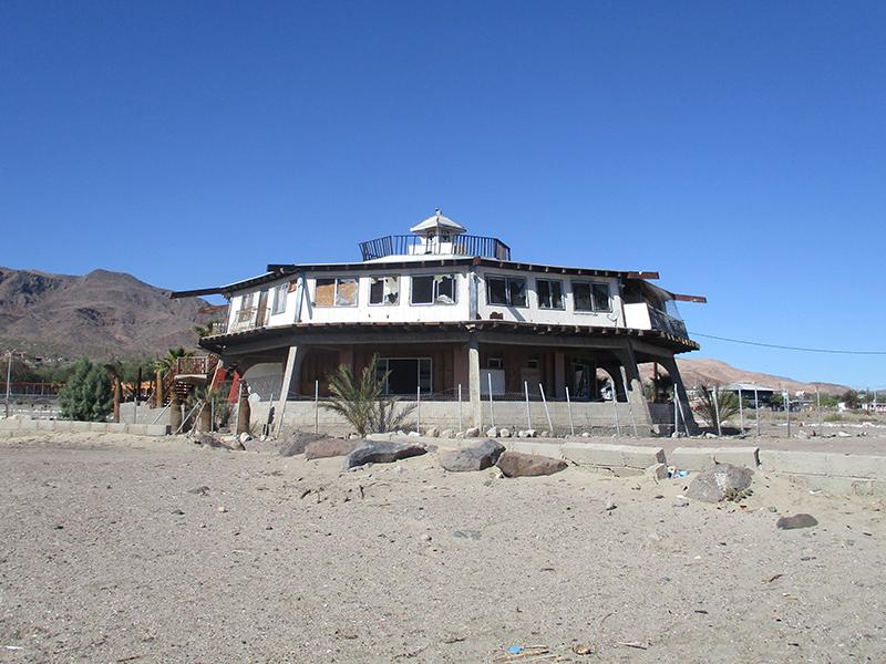 Abandoned building in Bahía de los Ángeles, Baja California