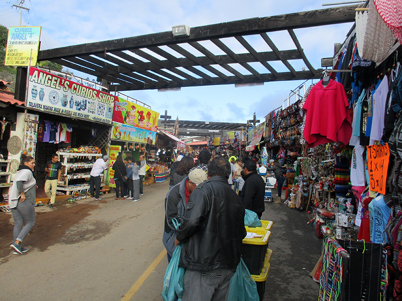 Shop stalls at La Bufadora