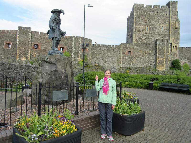 Christi at the William of Orange statue outside Carrickfergus Castle